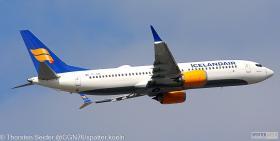 Icelandair_737_MAX_8_TF-ICN