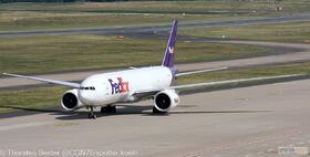 FedEx 777-200 N878FD