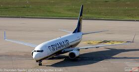 Malta Air (Ryanair) 737-800W 9H-QEE