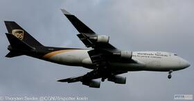UPS 747-400 N573UP
