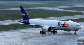 FedEx 777-200 N858FD