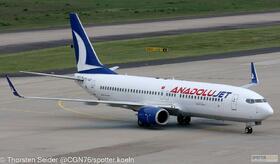 AnadoluJet 737-800W TC-SCF