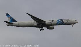 SU-GDM EgyptAir 777-300
